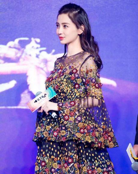 Khong phai Lam Tam Nhu, Angela Baby chinh la ba bau giu phong do on dinh nhat Cbiz - Anh 2