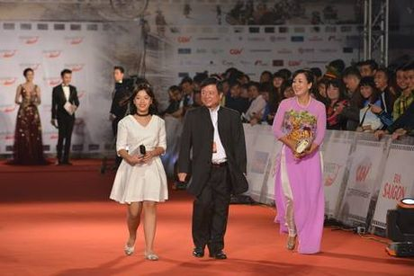 Top 3 Hoa hau dot chay tham do LHP Quoc te Ha Noi voi vay ao xuyen thau - Anh 16