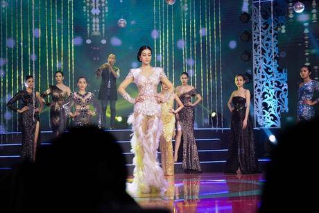 MC Thanh Mai lam vedette cho bo suu tap thoi trang cua NTK Tang Thanh Cong - Anh 10