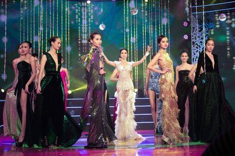 MC Thanh Mai lam vedette cho bo suu tap thoi trang cua NTK Tang Thanh Cong - Anh 11