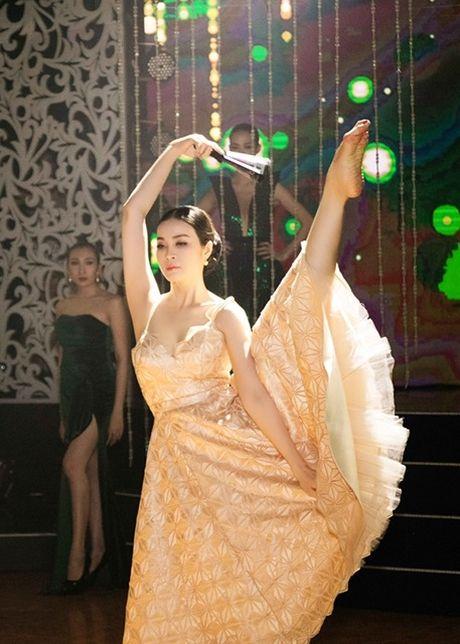 MC Thanh Mai lam vedette cho bo suu tap thoi trang cua NTK Tang Thanh Cong - Anh 2
