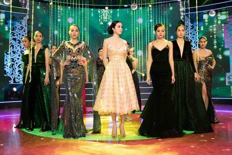 MC Thanh Mai lam vedette cho bo suu tap thoi trang cua NTK Tang Thanh Cong - Anh 9