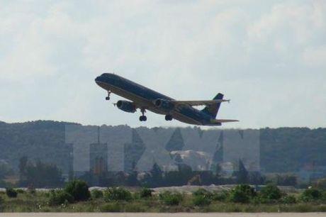 Vietnam Airlines tam dung khai thac 5 chuyen bay di/den Hue - Anh 1