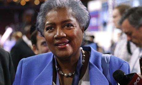 Clinton bi nghi biet cau hoi truoc khi tranh luan voi doi thu - Anh 1