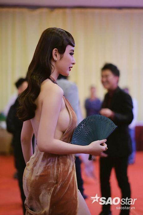 My nhan Viet quyen ru het co tren tham do khai mac LHP quoc te Ha Noi - Anh 4