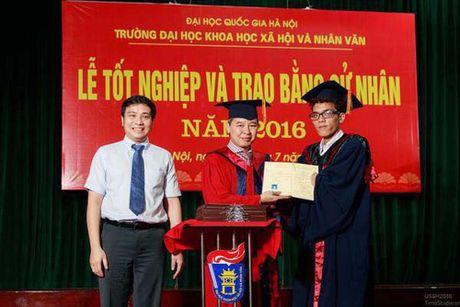 Nghi luc phi thuong cua chang trai 'shipper' khong tay lai xe giao hang khap Ha Noi - Anh 3