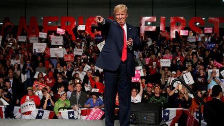 Dang Dan chu kien ong Trump 'dan ap cu tri' - Anh 1