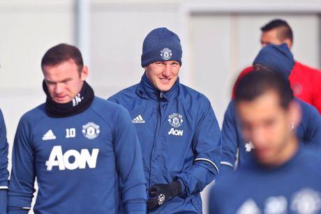 Mourinho cau cuu 'ke that sung' Schweinsteiger ? - Anh 3