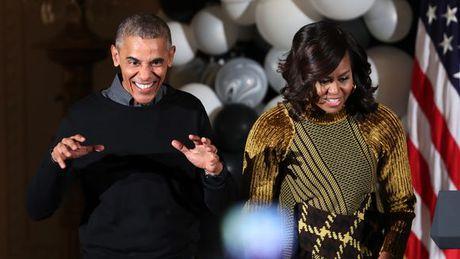 Vo chong tong thong Obama nhun nhay tai le Halloween - Anh 1