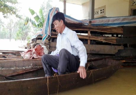 Chum anh: Nguoi dan Ha Tinh kho nhoc chay lu - Anh 4