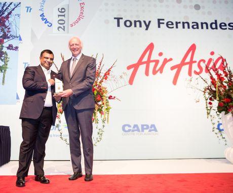 TGD AirAsia duoc vinh danh CAPA CEO Hang khong cua nam - Anh 1