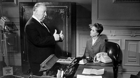 Huyen thoai Alfred Hitchcock bi to cao xam hai tinh duc - Anh 1