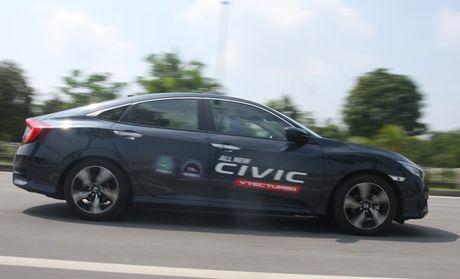 Honda Civic 2017 o Viet Nam khong bi loi phanh tay dien tu - Anh 1