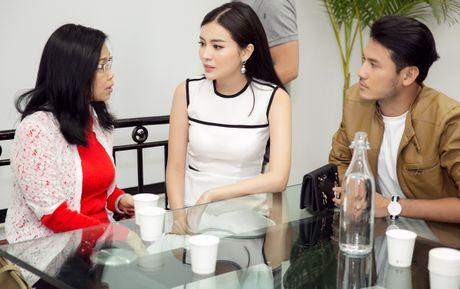 Nhan Phuc Vinh bi Cao Thai Ha che kho khao trong phim moi - Anh 2