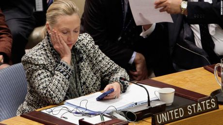 Be boi thu dien tu de doa ba Clinton - Anh 2