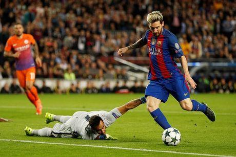 So lai thua tham Barca, Pep Guardiola dan quan cho 'manh dong' - Anh 2