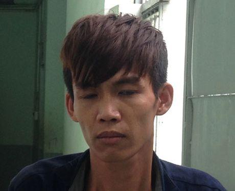 Co gai mot minh chong lai 2 ten cuop o Sai Gon - Anh 1