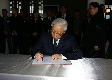 Lanh dao Dang, Nha nuoc vieng nguyen PCT Quoc hoi Truong Quang Duoc - Anh 2