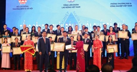 PVFCCo duoc vinh danh Doanh nghiep vi nguoi lao dong - Anh 1