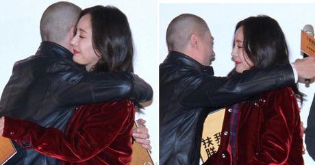 Showbiz 1/11: Lo dieu it biet ve nghe si Pham Bang, Duong Mich dong vien Hoac Kien Hoa - Anh 3