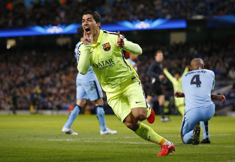 Barca va nhung lan 'om han' tren dat Anh o Champions League - Anh 10