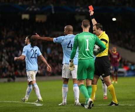 Barca va nhung lan 'om han' tren dat Anh o Champions League - Anh 11
