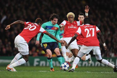 Barca va nhung lan 'om han' tren dat Anh o Champions League - Anh 3