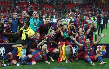 Barca va nhung lan 'om han' tren dat Anh o Champions League - Anh 8