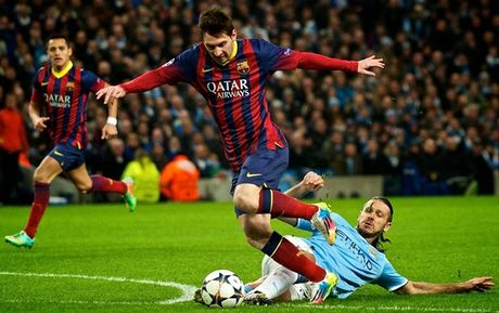 Barca va nhung lan 'om han' tren dat Anh o Champions League - Anh 9