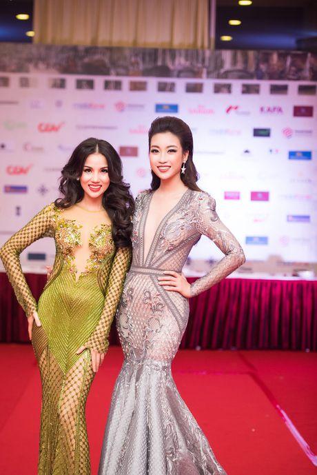 Sao Viet ruc ro tren tham do Lien hoan phim quoc te Ha Noi - Anh 13