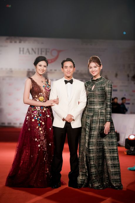 Sao Viet ruc ro tren tham do Lien hoan phim quoc te Ha Noi - Anh 15