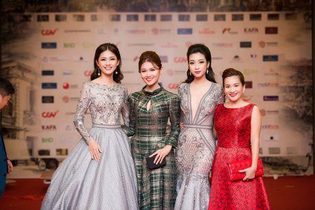 Sao Viet ruc ro tren tham do Lien hoan phim quoc te Ha Noi - Anh 7