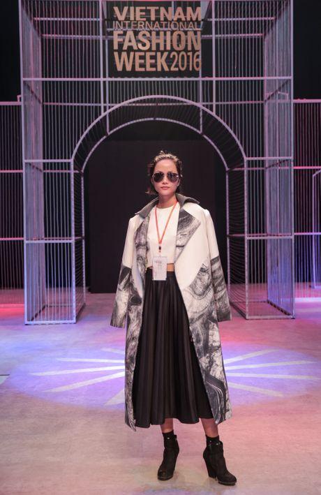Khong khi nao nuc chuan bi khai mac Vietnam International Fashion Week - Anh 9