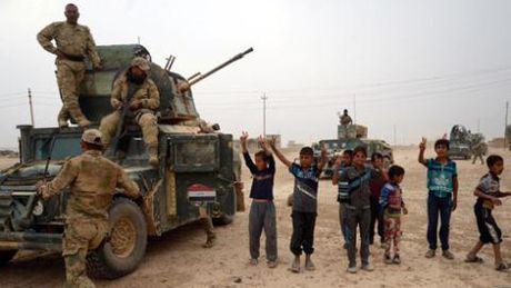 Lien quan My ram rap vao Mosul, Aleppo vang Nga khong kich - Anh 2