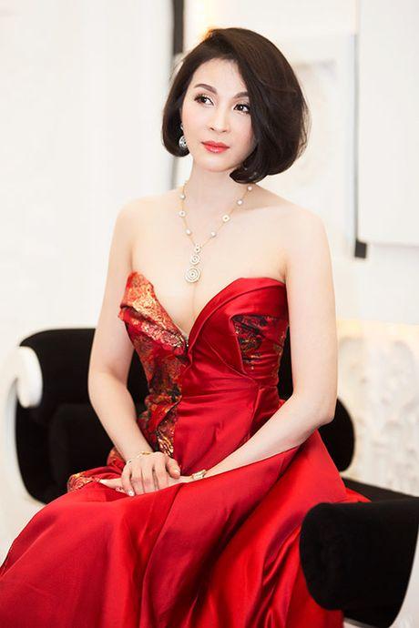 5 my nhan Viet U50 'dim hang' gai tre khong thuong tiec - Anh 5