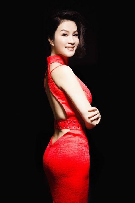 5 my nhan Viet U50 'dim hang' gai tre khong thuong tiec - Anh 6