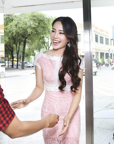 Nam Em hao huc lan dau mo man show dien thoi trang - Anh 5