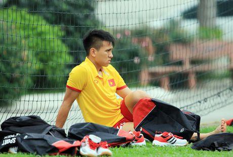 Noi niem tuyen thu Viet Nam lo hen AFF Cup vi chan thuong - Anh 1