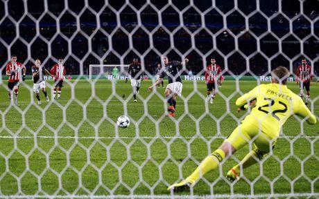Bayern doat ve som sau cu dup cua Lewandowski - Anh 6