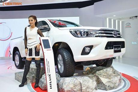 Toyota Viet Nam 'chot gia' Hilux 2016 tu 697 trieu dong - Anh 1