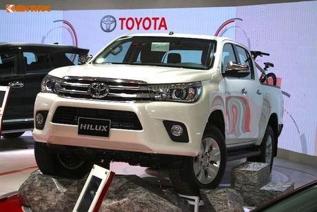 Toyota Viet Nam 'chot gia' Hilux 2016 tu 697 trieu dong - Anh 2
