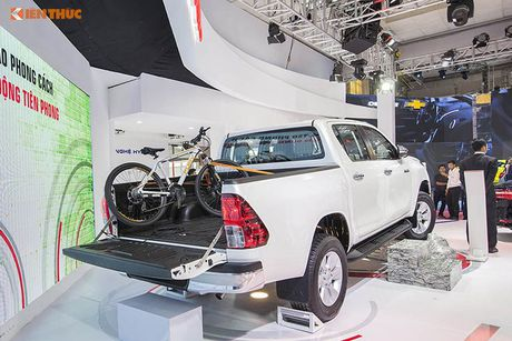 Toyota Viet Nam 'chot gia' Hilux 2016 tu 697 trieu dong - Anh 5