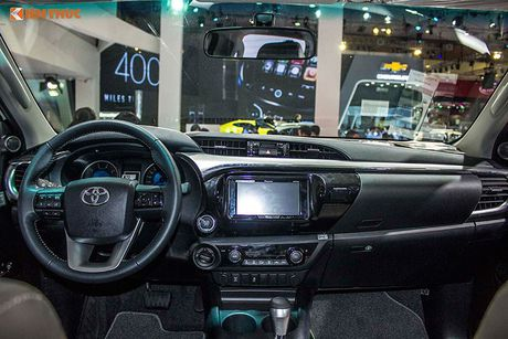 Toyota Viet Nam 'chot gia' Hilux 2016 tu 697 trieu dong - Anh 6