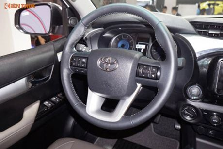 Toyota Viet Nam 'chot gia' Hilux 2016 tu 697 trieu dong - Anh 7
