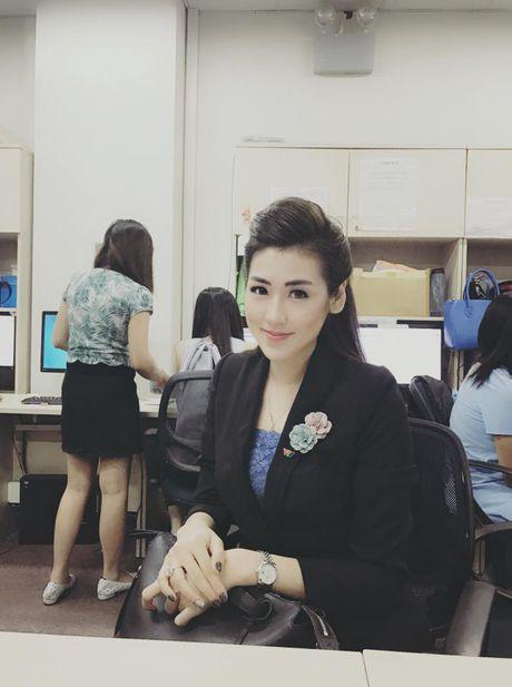 My nhan Viet chat lu dien do thu dong don gio mua - Anh 5