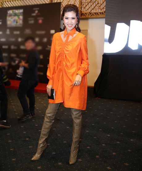 Loi trang phuc cua 9 fashionista trong showbiz Viet - Anh 10