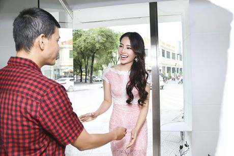 "Nam Em lam viec ""khong kip tho"" sau Hoa hau Trai Dat - Anh 1"