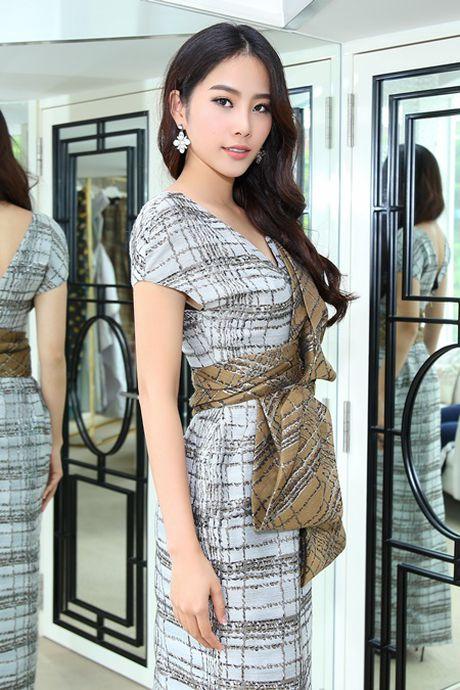 "Nam Em lam viec ""khong kip tho"" sau Hoa hau Trai Dat - Anh 4"