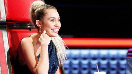 Miley Cyrus la HLV tan tam nhat cua The Voice My - Anh 1