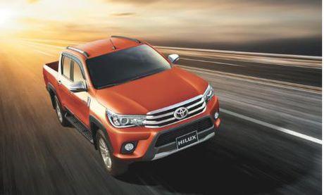 Toyota Hilux 2016 gia tu 697 trieu tai Viet Nam - Anh 1